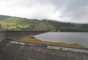 Barrage hydroélectrique fortuna au panama, il fournit 40% de l'électricité du pays