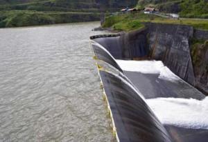 submersion du barrage hydroélectrique fortuna au panama