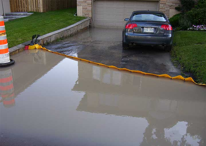 Effective flood protection of a garage run