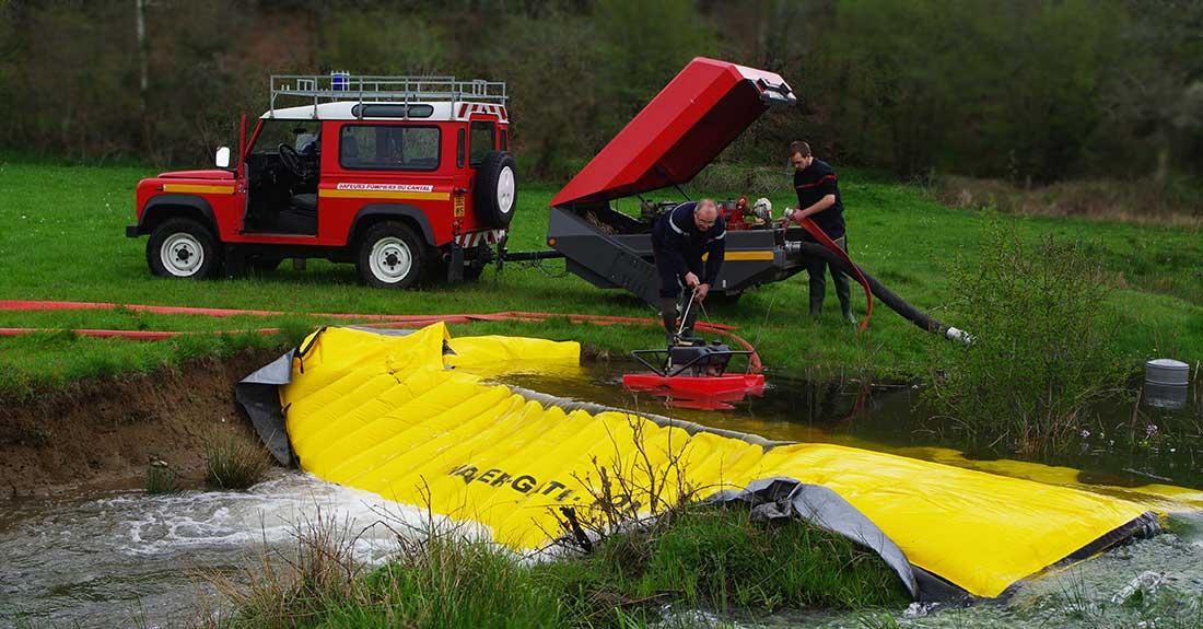 Batardeau souple Water-Gate© pour création de réserve incendie en rivières. DECI.