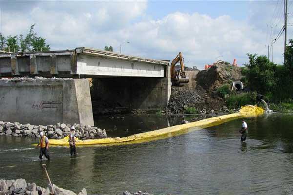 batardeau en rivière pour travaux sur pile de pont