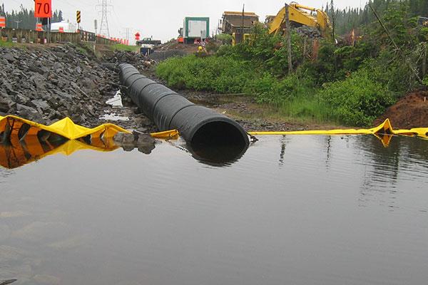 batardeaux et canalisation de rivière
