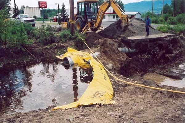 batardeau en cours d'eau canalisation