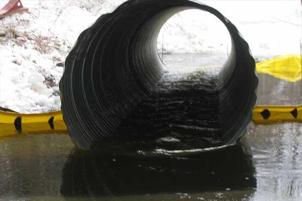tuyau sur batardeau pour canalisation