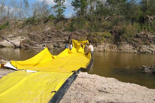 batardeau déploiement en rivière