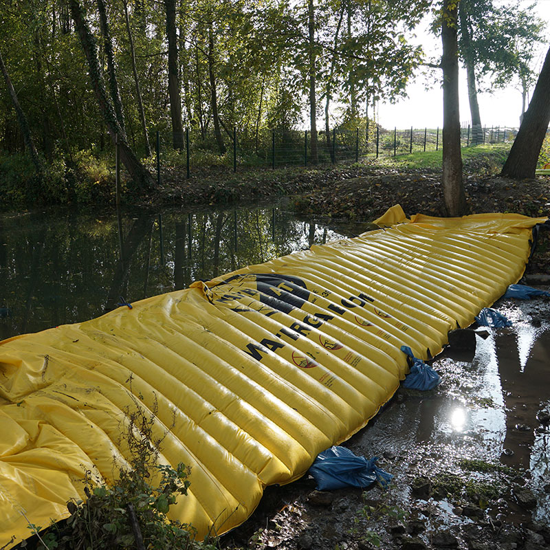 Barrage souple et déviation de la rivière La Retourne - Batardeau chantier Water-Gate©