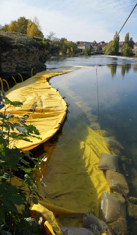 Batardeau souple Water-Gate© - Chantier rivière - Rénovation Pont sur le Doubs - Dole