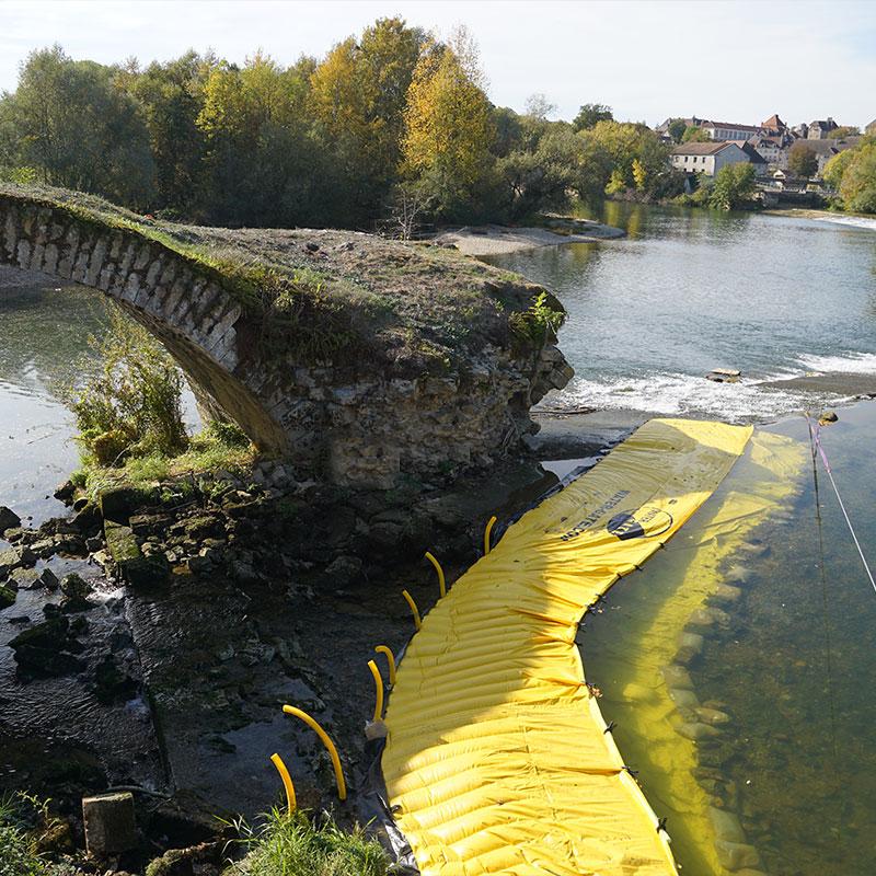 Batardeau souple Water-Gate©. Travaux rivière. Rénovation Pont sur le Doubs. Dole