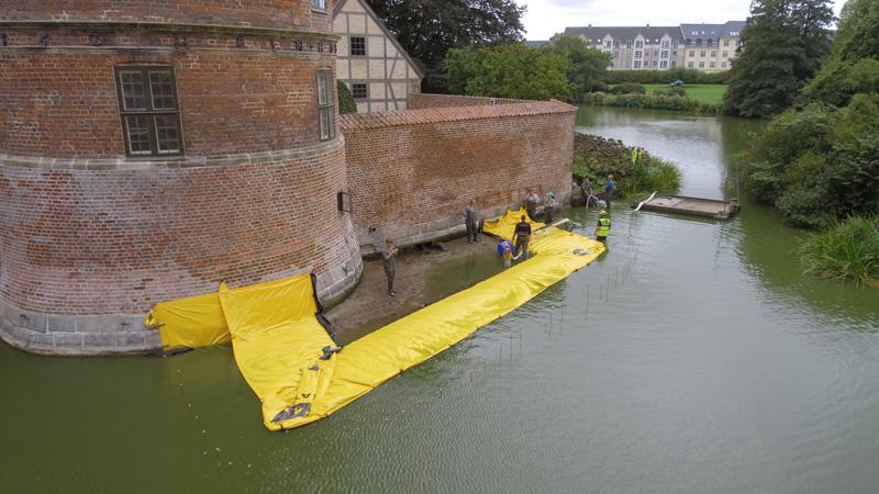 Assèchement des douves du château de Frederiksborg au Danemark - MegaSecur -Europe