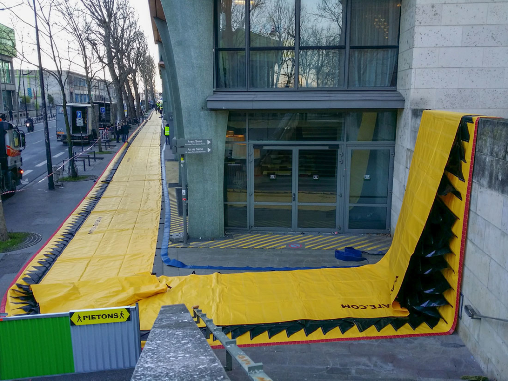 Dispositif Water-Gate© anti crue centennale de la Seine à Paris Quai d'Austerlitz