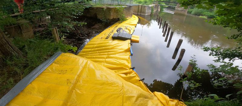 Déviation d'un bras de rivière par batardeau souple Water-Gate© | Réparation du vannage de la Bruche à Mutzig
