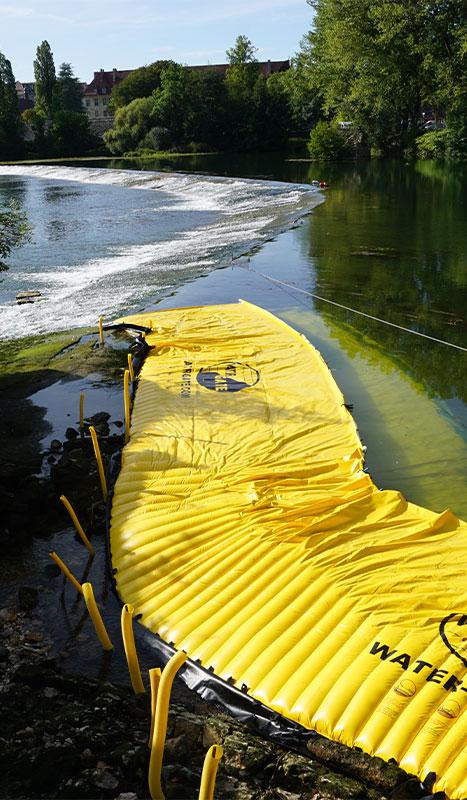 Batardeaux souples Water-Gate© installés sur le grand seuil du Doubs à Dole du Jura